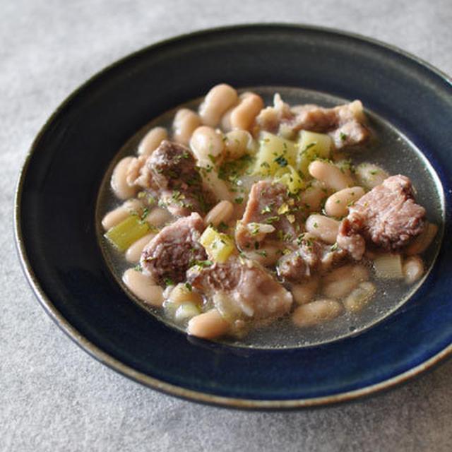 豚モモ肉と白いんげん豆のシチュー