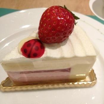 京王プラザホテルでデザートなう