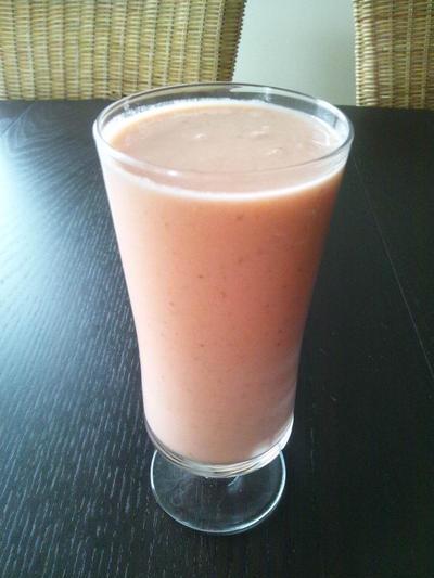 ストロベリーオレンジナッツミルクシェイク(レシピ)