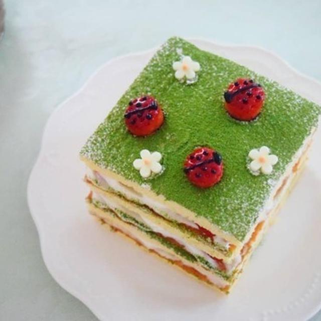 業務スーパーのお手軽スポンジシートで♪春のてんとう虫ケーキ♡