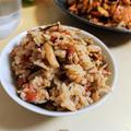 トマトと舞茸の炊き込みご飯【簡単10分ご飯】