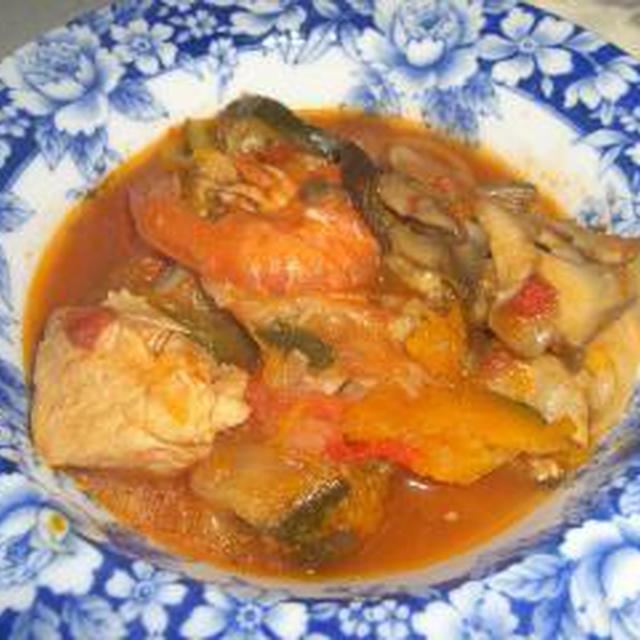 鶏の胸肉、舞茸、海鮮入りラタトゥユ
