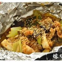 和えて包んで焼くだけ!超簡単な豚肉と青梗菜のピリ辛ホイル焼き!