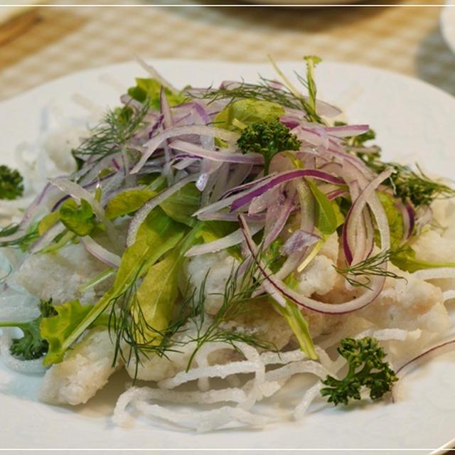 鱈のニョクマムドレッシングサラダ