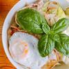 アジアの香りの豚キャベツ炒め丼