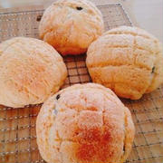 いちごクッキーのメロンパン♪ツナマヨちくわパン♪