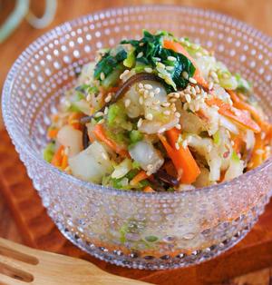 疲れた胃腸にも♪抱えて食べたい♪『梅塩昆布 de やみつき♡白菜サラダ』