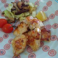 塩麹でやわらか鶏むね肉の洋風ソテー