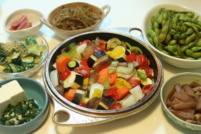 3日連続!野菜のオイル蒸しと、ちっさいおかずいろいろのうちごはん