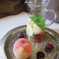 桃とプラムのほのアマフルーツビネガーウォーター