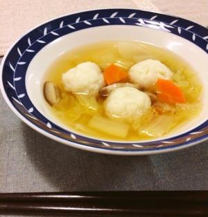 ほっこり♡ふわっふわ♪タラ入りはんぺんボールの食べるスープ