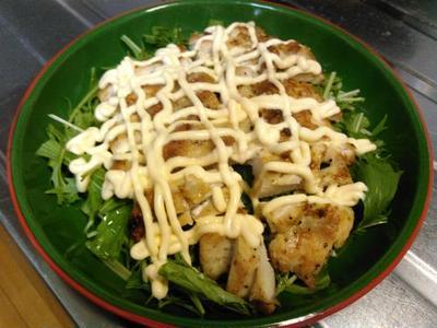 鶏ムネ肉のマヨネーズ焼き、中華スープ、ピーマンと茄子の味噌汚し、煮物のグラタン風。