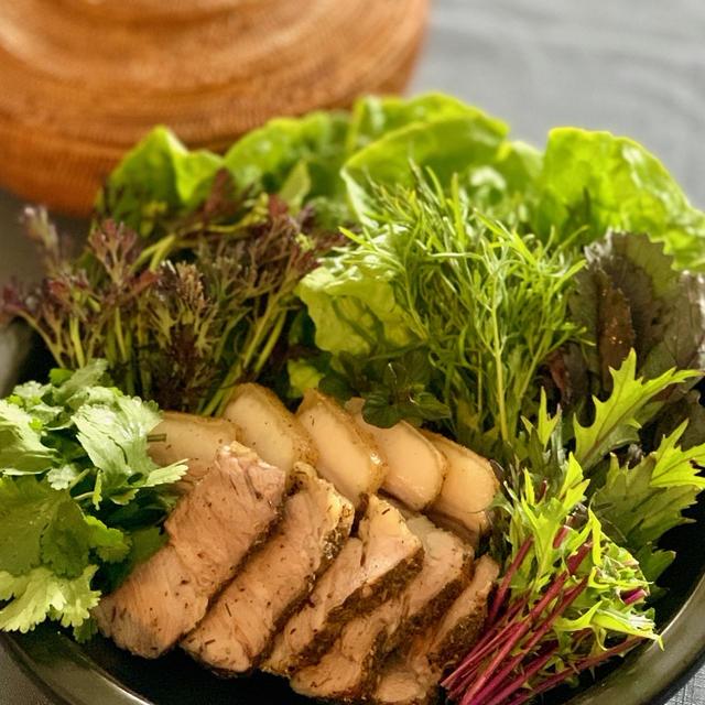 キレイと元気を作る食卓11〜豚ロース肉のハーブロースト たっぷり野菜添え〜