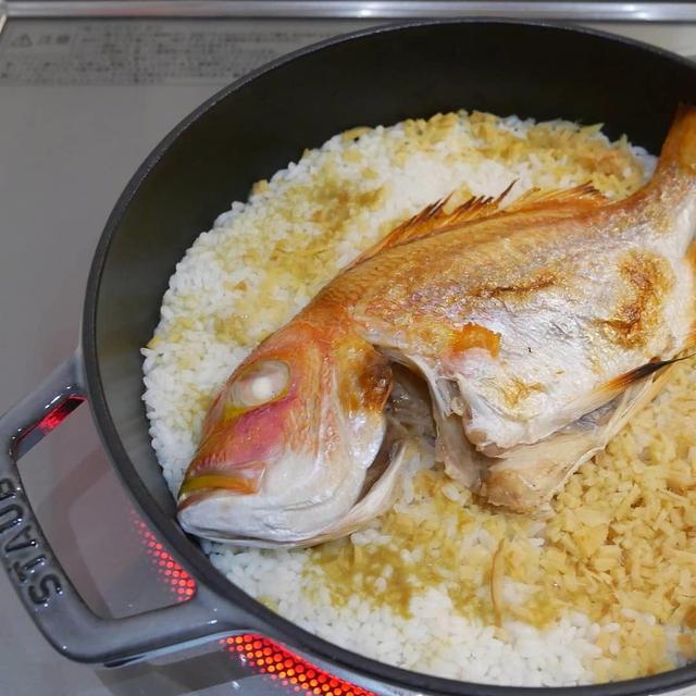 連子鯛と生姜の炊き込みご飯