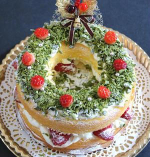 簡単!菓子パンでクリスマスのリースケーキ・レシピ