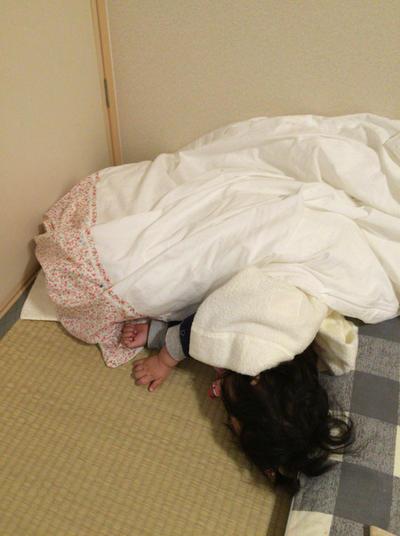 ●最近の寝床と*あと1品足りないときはレンジで完結!*緑のおかずピーマンの塩昆布蒸し●