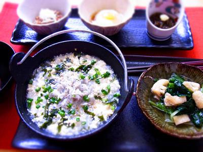 >ロカボ! しらすとわかめの雑炊(豆腐でカサ増し) & 藤まつり by マムチさん