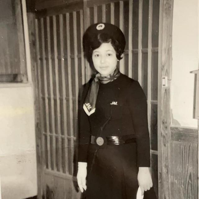 時代を感じる客室乗務員の制服 ~伝説のミニスカート~