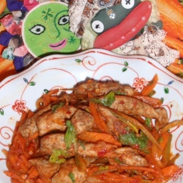 豚細切り肉の豆板醤炒め&キュウリの甘辛酢漬け(お家カフェ)