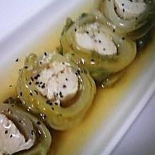 (2/4)鶏肉の白菜ロール・豆腐とワカメのおろし乗せ・昆布の煮物