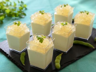 >枝豆のヨーグルトムース はちみつレモンのクラッシュゼリー by 薫さん