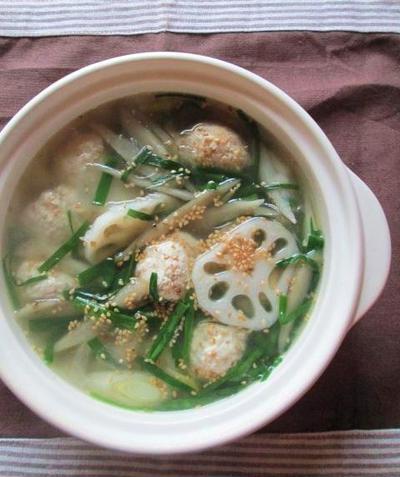 根菜と鶏肉だんごの春雨スープ