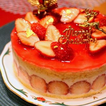 フレジェ風 苺のホワイトチョコケーキ