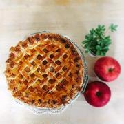 秋にはやっぱり♡さつまいもとりんごのパイ。