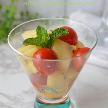 サンゴールドキウイとトマトのシンプルサラダ☆