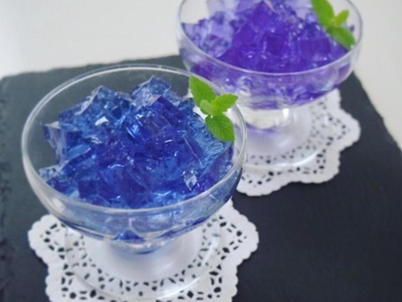 色が変わる♪バタフライピーでキラキラ紫陽花ゼリー。
