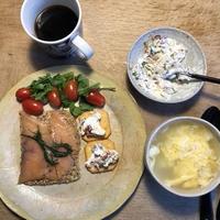 北欧風の朝食,「半分,白い。」べんとう