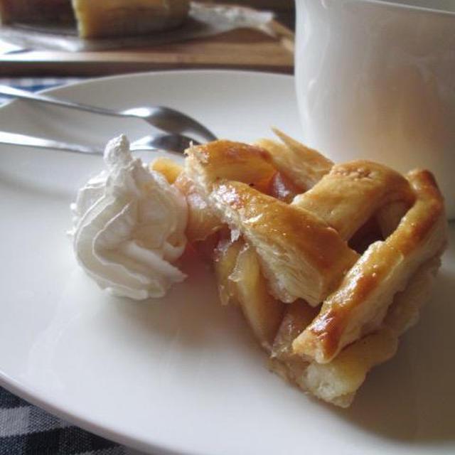【レシピ】簡単で失敗しない・便利な冷凍パイシート使用のアップルパイ