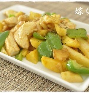 人気のカレー風味♪お弁当にもお勧め。鶏むね肉とジャガイモのカレー炒め。