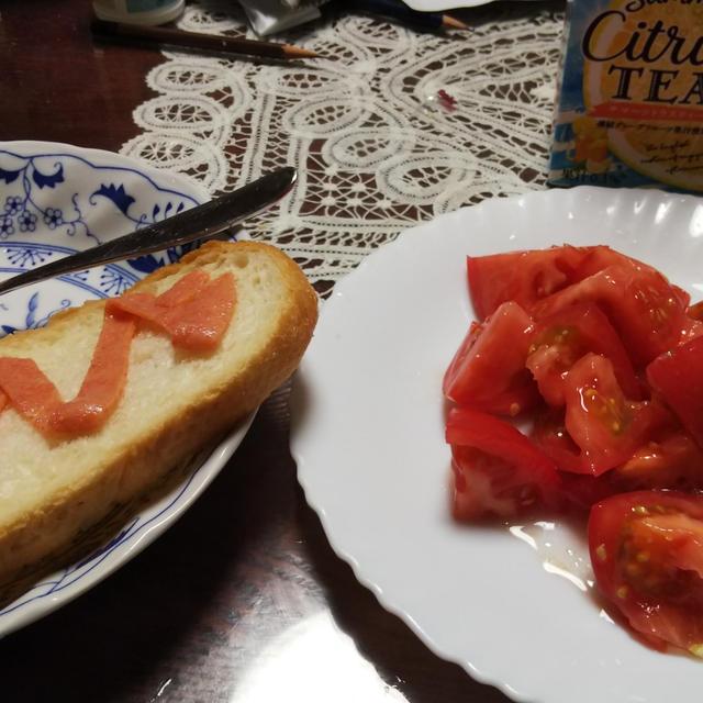 トマトの白ぶどうドレッシングがけ