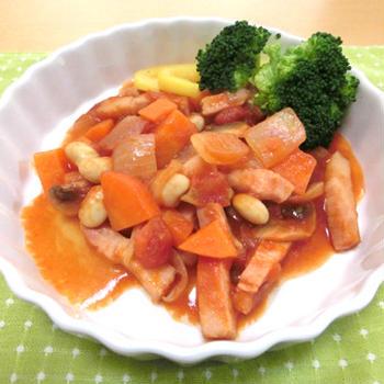 ベーコンと大豆のトマト煮込み