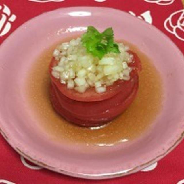 「だし×オイル」でトマトのたまねぎドレッシングサラダ