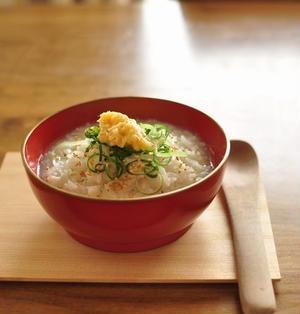 ≪レシピ≫生姜をたっぷりトッピングした中華風のおかゆと菜の花のあえ物