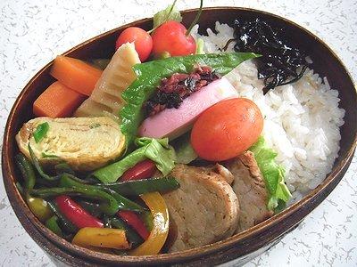 豚ヒレソテー弁当。野菜の煮物の晩ご飯