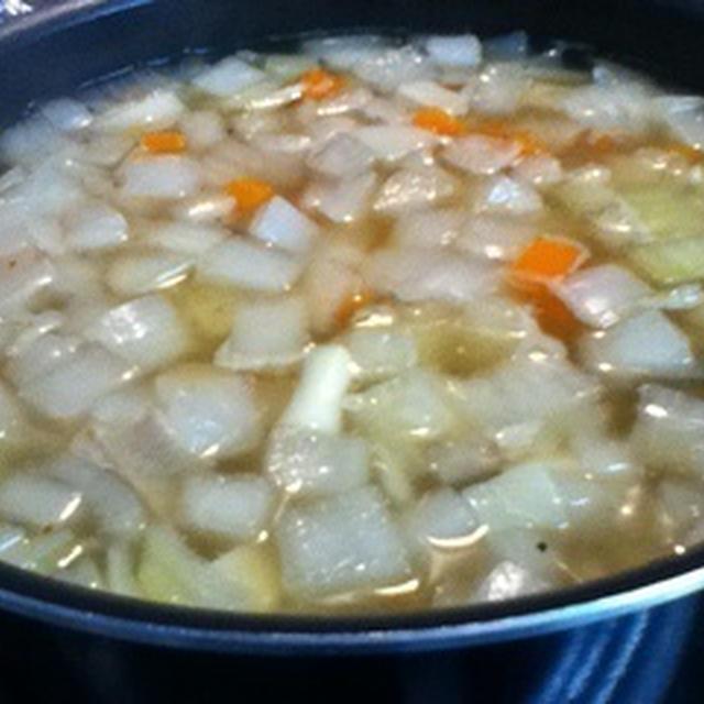 お野菜を刻んで刻んで〜(^^) 〜野菜たっぷり具だくさんスープ〜