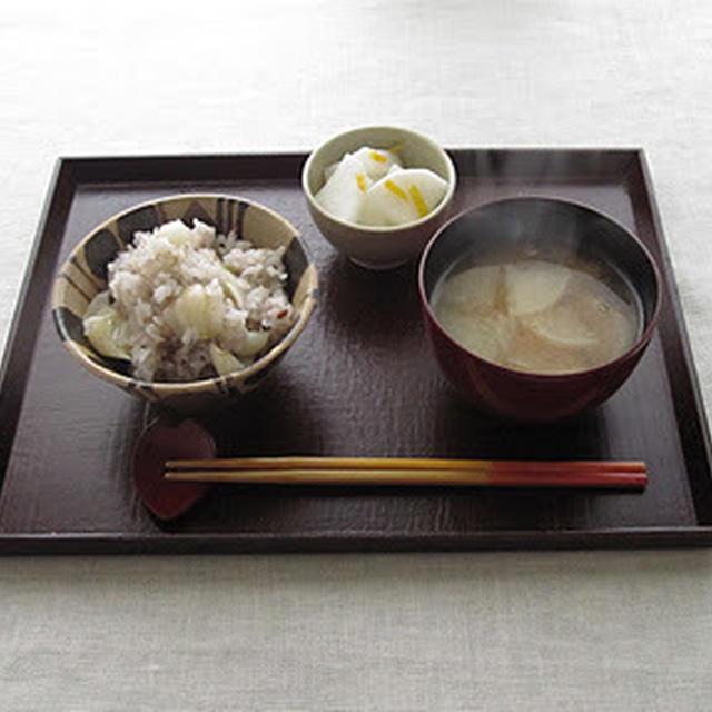 焼き大根味噌汁の朝食