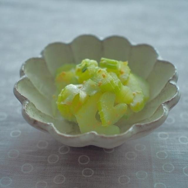 セロリのはちみつ柚子胡椒マリネ