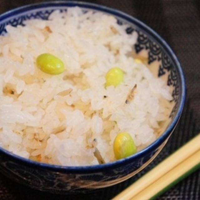 出汁いらずで簡単、枝豆とおじゃこの炊き込みご飯、食べる美容液・モロヘイヤの夏薬味和え