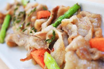 【簡単♪】豚バラ肉のさっぱり炒め[ピクルス食べ方レシピ]