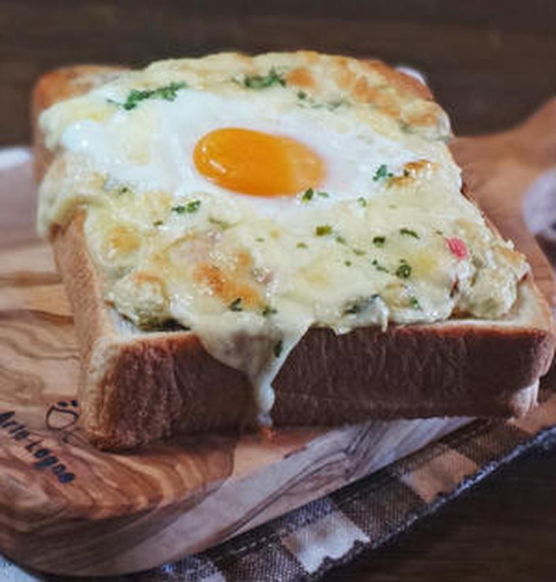 忙しい朝に!野菜も摂れる「卵トースト」なら洗い物もらくちん