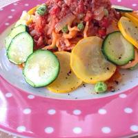 13.06.11 Recipe! 彩り野菜とトマト色のパスタ。