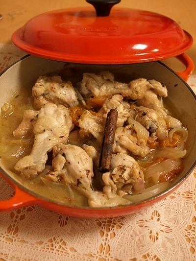 鶏肉とアプリコットの白ワイン煮 スパイス風味