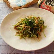 豆苗とえのき茸のにんにく炒めナンプラー風味
