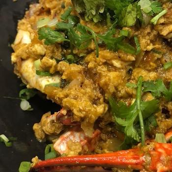 渡り蟹と卵のカレー炒め プーパッポンカリー Poo pad pong curry