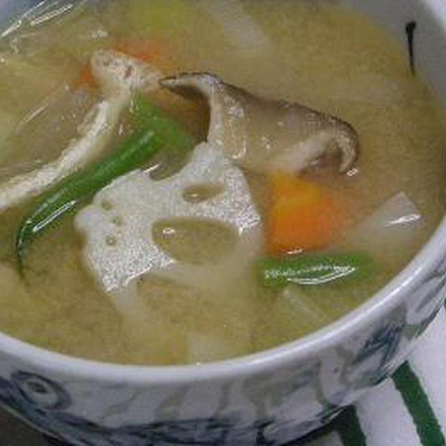 ☆ぽかぽか♪生姜と根菜の味噌汁☆
