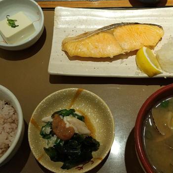 【晩ごはんニ日分】牡蠣の炊き込みごはん、とか、アジの甘酢あんかけとか。